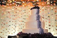 Not into the cake but I like the Paper Crane background for the cake. The cranes look like confetti!