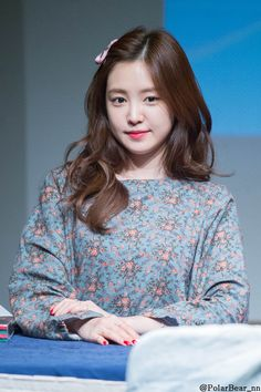 Namjoo Apink, Apink Naeun, Korean Airport Fashion, Son Na Eun, Elegant Wedding Hair, Airport Style, Sexy Asian Girls, Girl Crushes, Sweet Girls