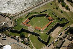 Forte de Santa Catarina - Municipio de Cabedelo, distante cerca de 18 km de Joao Pessoa, representa um testemunho das lutas contra os invasores holandeses da regiao nordeste na epoca do Brasil colonia - Paraiba