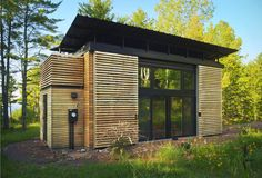 Built by Revelations Architects in Bayfield, United States with date 2009. Images by Dan Hoffman. Frustrated by the floundering American housing market, Revelations Architects developed the E.D.G.E.(Experimental Dwe...