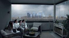 Disfrutar de tu terraza en familia mientras fuera diluvia ya es posible con los cristales para terrazas Lumon. Con Lumon ya puedes vivir tu terraza todo el año :)