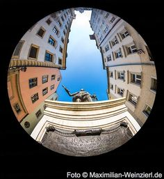 Maximilian Weinzierl – Fotografie – Blog: dem DON JUAN untern Rock schauen