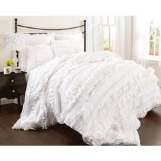 Lush Decor Belle 4-Piece Comforter Set, Queen, White Lush Decor http://www.amazon.com/dp/B00DOPGPBG/ref=cm_sw_r_pi_dp_cGR9wb0ERZVVD