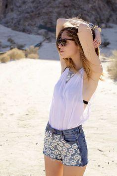6 Coachella - Windswept in the desert - Chiara Ferragni Love Fashion, Womens Fashion, Fashion Trends, The Blonde Salad, Hippie Style, Hippie Bohemian, Outfit Posts, Fashion Forward, Beachwear