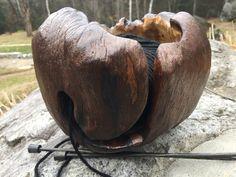Bol à laine fait à partir d'une loupe (broussin) d'arbre.  www.trukerie.wordpress.com