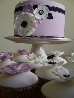 Chanel inspired cake and cupcakes
