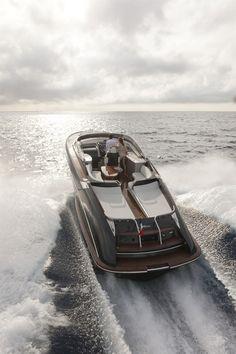 Yachting - Riva Yacht