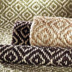 The subtle trellis design of this area rug is jacquard woven in a high/low weave of sisal for great natural texture and neutral oatmeal color. Trellis Rug, Trellis Design, Natural Fiber Rugs, Geometric Rug, Geometric Designs, Sheepskin Rug, Jute Bags, Weaving Art, Ballard Designs