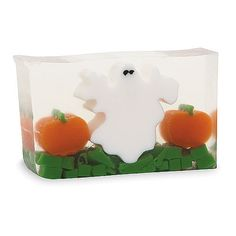 DESCRIPTION A frightfully fruity scented bar. DETAILS & DIMENSIONS - 100% Handmade - Made in the USA - Ingredients: Pure vegetable glycerin soap, fragrance, and natural mineral pigments - Net weight: