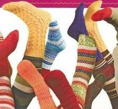 Here are links to sock patterns. I will feed this page as I discover … Thank you to all those who share their models! Do not hesitate to write to me if you have models … Source by sylvieanc . Knitted Slippers, Wool Socks, Knitting Socks, Hand Knitting, Knitting Patterns, Patron Crochet, Knit Crochet, Crochet Accessories, Knitting Projects