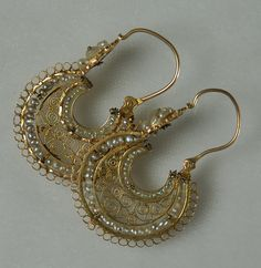 Antique Mexican Gold Arracadas | Colonial Arts