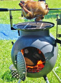 rocket stove and grill Fire Cooking, Outdoor Cooking, Barbecue Grill, Grilling, Gas Bottle Bbq, Rocket Stove Design, Camping Cooker, Outdoor Stove, Campaign Furniture