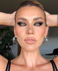Glam Makeup, Skin Makeup, Makeup Inspo, Bridal Makeup, Wedding Makeup, Makeup Inspiration, Makeup Tips, Makeup Ideas, Elegant Makeup