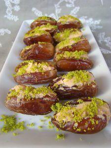 Dattes fourrées au foie gras et pistaches