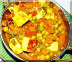 Delicious Indian food : mix veg, a famous dish in north india | Visit India with us and enjoy indian food. Book your india tour today
