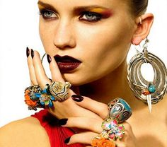 How To Wear Statement Jewellery - http://styleitrockit.com/wear-statement-jewellery/