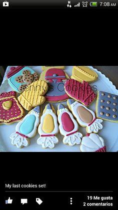 No Bake Sugar Cookies, Sugar Cookie Frosting, Fancy Cookies, Cute Cookies, Royal Icing Cookies, Cupcake Cookies, Mini Cookies, Iced Cookies, Cupcake Party