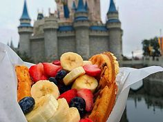 24 underrated foods everyone should try at Disney World according to someone who worked there