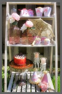 Party stand, vintage style, Princess Swan party. #vintage #detailrentals #popcornboxes