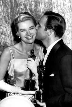 1954 Grace Kelly y Marlon Brando