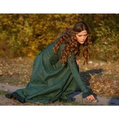 Autumn Princess - medieval clothing renaissance costume (€150) ❤ liked on Polyvore featuring costumes, people, medieval, pictures, backgrounds, brunettes, princess halloween costumes, renaissance princess costume, renaissance halloween costumes and princess costume