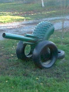 I'm gonna Put my Potato cannon on mine when i make it. Kids Outdoor Play, Outdoor Fun, Outdoor Projects, Garden Projects, Tire Playground, Tire Craft, Tire Garden, Reuse Old Tires, Used Tires