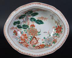 Plato de porcelana Famille Verte con motivo tres amigos - China - siglo XVII…