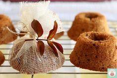 Mini bolo de nozes e coco é ótima sugestão para presentear os convidados! Na escoladebolo.com.br você confere a receita!! #receitadebolo #minibolo #aprendaonline @droetkerbrasil