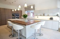 Contemporary Kitchen Chandlers Ford