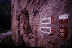 Sendero Transourensan de Montaña GR-56 Primer y unico sendero de gran recorrido de la provincia ourensana. El Transourensan se configura como una gran arteria senderista de mas de 100km de recorrido que atraviesa interesantes zonas de la provincia buscando las montañas del macizo central ourensano y su cumbre mas elevada,Cabeza de Manzaneda de 1.778m de altitud.
