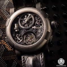 Close look at the RJ romain jerome Steampunk Tourbillon with a vertical piston!