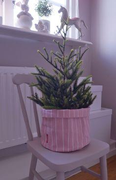 soft bucket PINNE pink c/o add simplicity blog