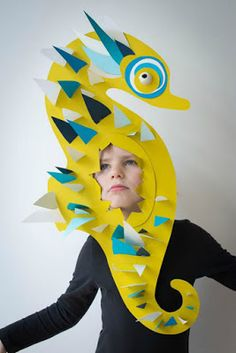 Seahorse paper mask for kids Seahorse Costume, Fish Costume, Little Mermaid Costumes, The Little Mermaid, Paper Crafts For Kids, Diy For Kids, Sea Creature Costume, Under The Sea Costumes, Sea Crafts