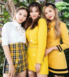 Kpop Girl Groups, Korean Girl Groups, Kpop Girls, Sana Minatozaki, Nayeon Twice, Myoui Mina, Tzuyu Twice, Ulzzang Fashion, One In A Million