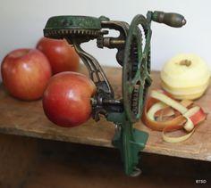 Reading Hardware Company Vintage Antique Industrial Commercial Apple Peeler (via BehindtheScreenDoor)