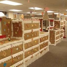 Gingerbread office Office Xmas Decorations, Christmas In July Decorations, Decoration Noel, Gingerbread Decorations, Lebkuchen, Office Fun, Office Cubicle, Office Ideas, Cardboard Gingerbread House