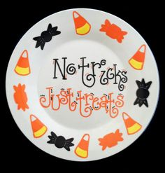 set of 2 9 inch hand painted ceramic happy owloween dessert plates omg i want halloween ideas pinterest hand painted ceramics painted ceramics - Halloween Plates Ceramic