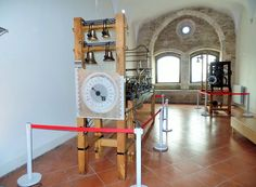 Ancona - Palazzo degli Anziani, antichi meccanismi di orologi