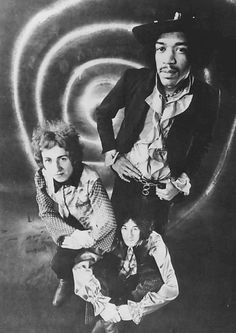 Did you know that Paul McCartney recommended Jimi Hendrix to the Monterey Pop Festival? - Persona Paper