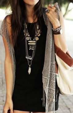 Chunky accessorizing. Love the outfit So want to rock this, but I'll have my…
