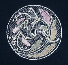 EVacko Lochkov: Květen Bobbin Lace Patterns, Lacemaking, Lace Heart, Lace Jewelry, Lace Detail, Mandala, Butterfly, Bobbin Lacemaking, Needlepoint