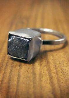 $2625 ROUGH DIAMOND CUBE IN 18K WHITE GOLD \\