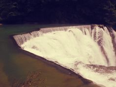 taiwan shifen waterfall