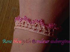 Magnique bracelet de Rose Bleu pale Couleur Aubergine