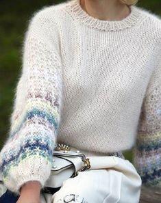 knit sweater pattern Knitting sweaters pattern 31 ideas for 2019 Knitting Blogs, Knitting For Beginners, Vogue Knitting, Knitting Ideas, Mittens Pattern, Sweater Knitting Patterns, Knitting Sweaters, Women's Sweaters, Hoodie Pattern
