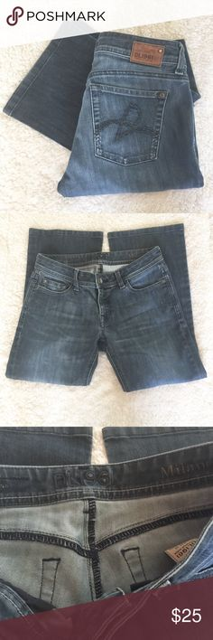 "DL1961 Milano Bootcut Jeans Good used condition. Measurements are approximately:  Waist lying flat- 14.5"" Inseam- 33"" Rise- 7.5"" DL1961 Jeans Boot Cut"