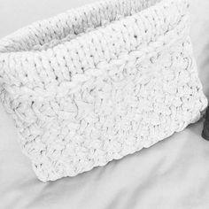 "@shareyourknits's photo: ""White Noise Hold Tight Clutch  from @somedaynowhere -  #handknit #recycle #bestclutchever  #handmade  #shareyourknits #woolandthegang #jerseybegood #tshirtyarn #diy"""
