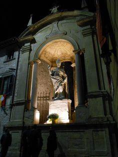 Gubbio - Statua di Sant'Ubaldo