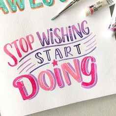 Inspiring and strong typography quotes can be an efficient solution for your workspace decoration. You can keep yourself motivated with style. Brush Lettering Quotes, Brush Pen Calligraphy, Hand Lettering Tutorial, Watercolor Lettering, Doodle Lettering, Hand Lettering Quotes, Creative Lettering, Lettering Styles, Typography Quotes