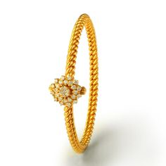 This diamond bangle showcases beautiful rope pattern with diamond studded floral pattern. Gold Jewelry Simple, Gold Rings Jewelry, Diamond Jewelry, Antique Jewelry, Diamond Bangle, Fine Jewelry, Jewellery, Gold Bangles Design, Jewelry Design